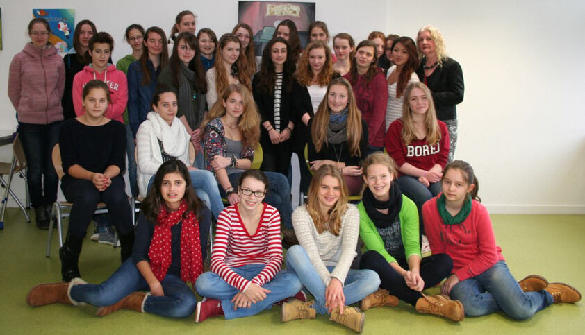 Female pupils from Einhard Gynasium